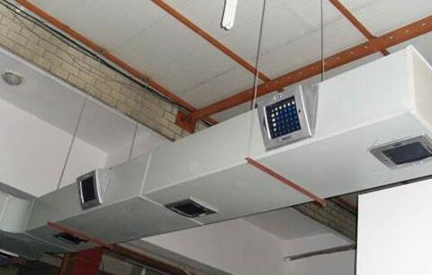 湿帘冷风机的管道系统设计